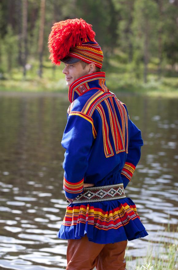 Man in Karesuando kirtle, c. 2011. Photo copyright Leila Durán. From her Folklore Fashion blog.