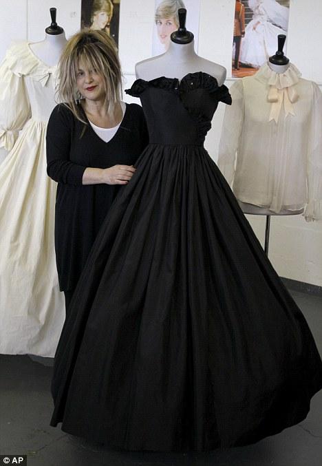 Spotlight On Amy Winehouse S Dress At Auction Worn Through