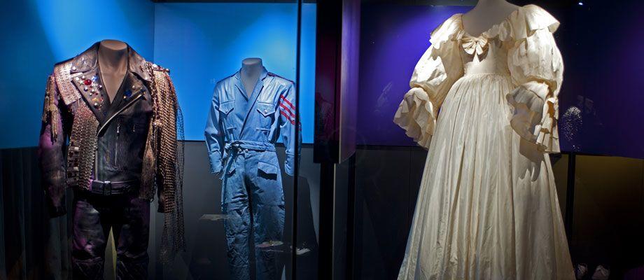 toile of Princess Diana 39s wedding dress right Photo Museo de la Moda
