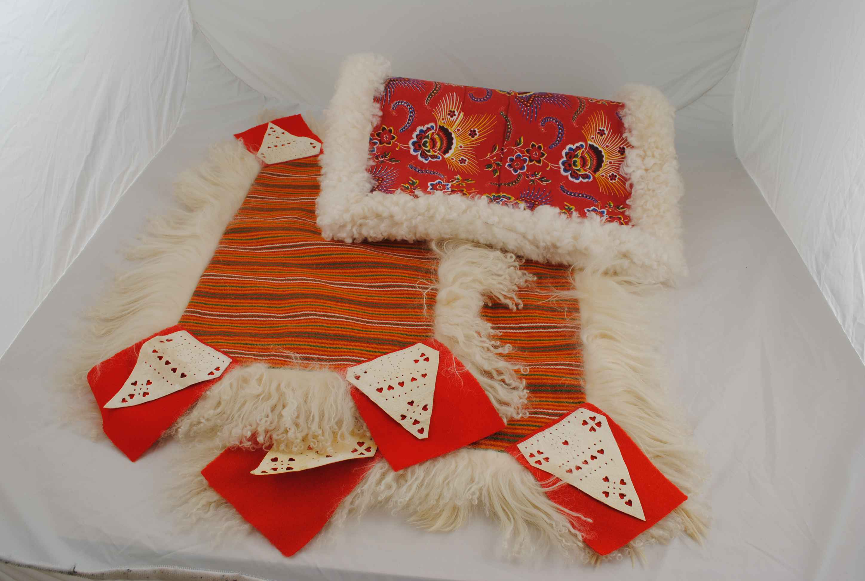 """Handfäll"", part of the folk dress from Mora, in Dalarna. Made by Kristina Karlsson, Mora. Photo: Dalarnas Museum."