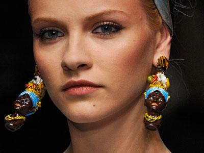 dolce-gabbana-racist-earrings