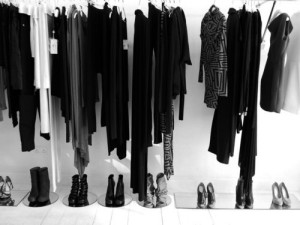 black-closet-clothes-fashion-Favim.com-495581