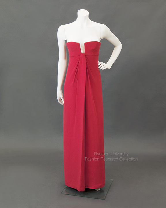 Strapless evening gown in red crepe, VALENTINO Couture, c. 1965. FRC1997.04.009
