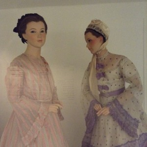 Bath Fashion Museum: 50 Fabulous Frocks