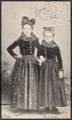 Young women in traditional dress, Fanø, c. 1911. From mitfanoe.dk.