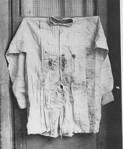 François Aubert, Emperor Maximilien's Shirt, 1867