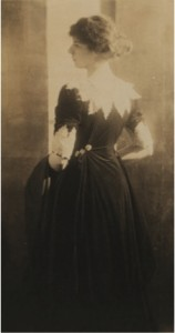 Heather Firbank photographed by Baron Adolph de Meyer, c.1909