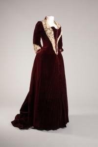 2518.5-2 Melanie Pascaud Dinner Dress c. 1880, French Gift of Mrs. Paul Denckla Mills