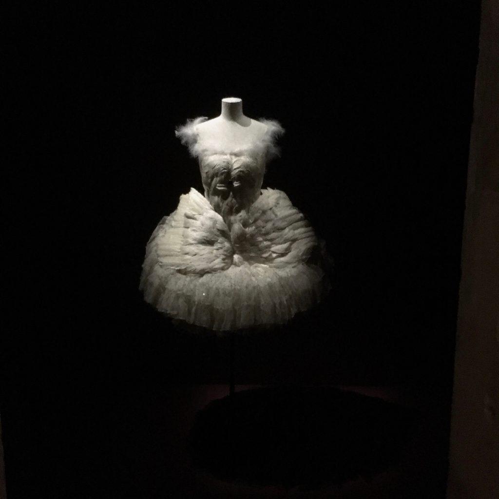 Costume for Anna Pavlova in La Mort du Cygne, 1907. BNF. Copyright: Hayley Mazières-Dujardin